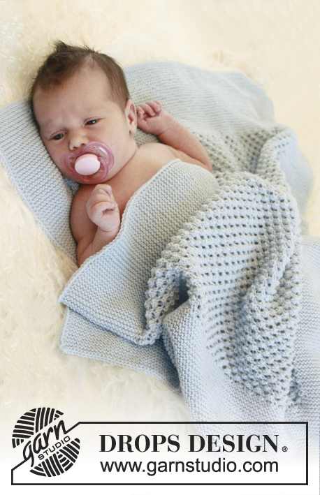 Bundle of Joy / DROPS Baby 21-38 - Knitted baby blanket with blackberry pattern in DROPS Alpaca