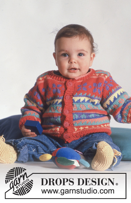 "Springtime Baby / DROPS Baby 3-8 - DROPS jacket with pattern borders in ""Muskat""."