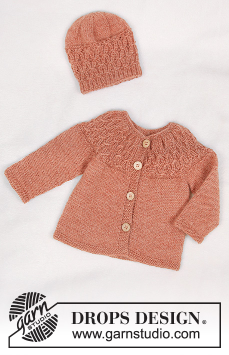 Stroll in the Park / DROPS Baby 33-26 - Jacket for baby with round yoke and textured pattern, knitted top down.  Shorts for baby with ties and rib. Piece is knitted in DROPS BabyMerino or DROPS Alpaca.