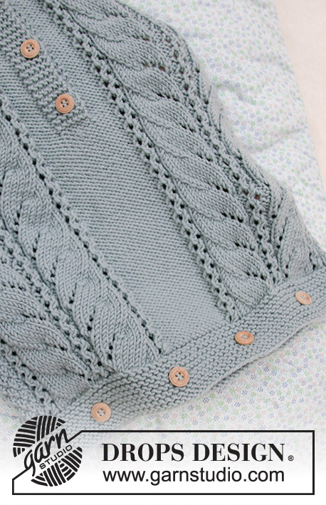 Cable Snooze / DROPS Baby 33-7 - Knitted bag for babies in DROPS Merino Extra Fine. The piece is worked with lace pattern, double moss stitch and hood. Sizes premature – 4 years.