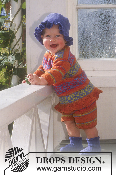 Little Ivy / DROPS Baby 6-6 - Sweater, shorts and socks in Safran