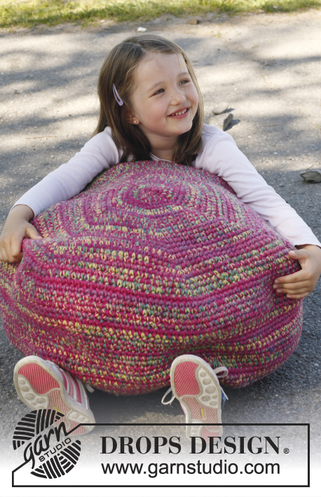 Candy pouf / DROPS Children 23-35 - Crochet DROPS pouf in 3 threads Big Fabel og 6 threads Fabel.