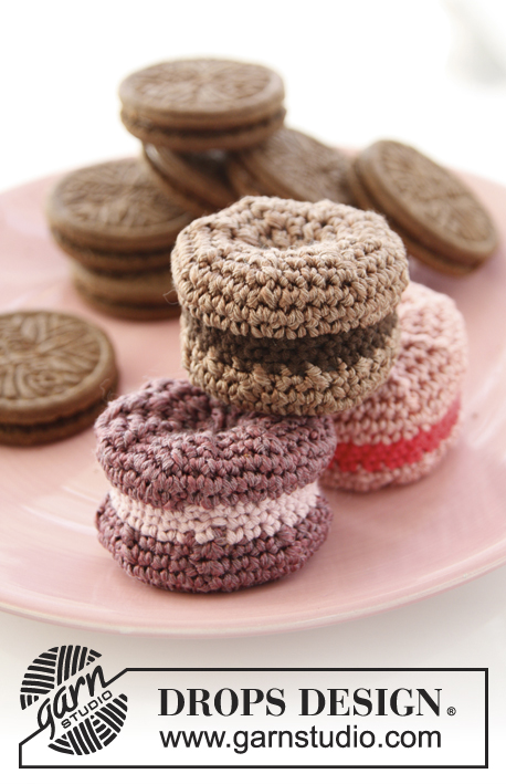 Sweet Macaroons / DROPS Children 24-35 - Macarons crochetés en DROPS Cotton Viscose et DROPS Safran