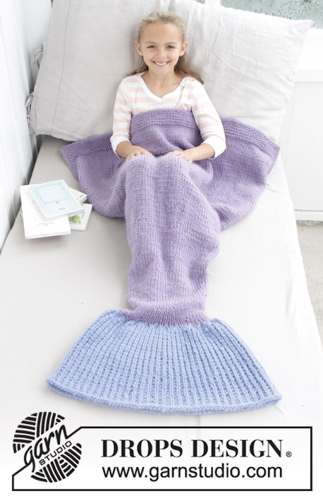 Cute Mermaid Blanket / DROPS Children 28-12 - Knitted mermaid blanket for kids. Size 3-14 years Piece is knitted bottom up in DROPS Eskimo.
