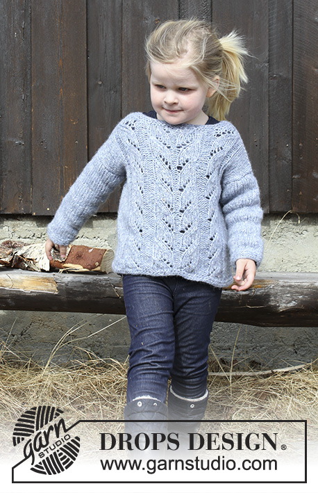 Julie / DROPS Children 30-10 - Knitted sweater with lace pattern for kids. Size 2 - 12 years Piece is knitted in DROPS Air.