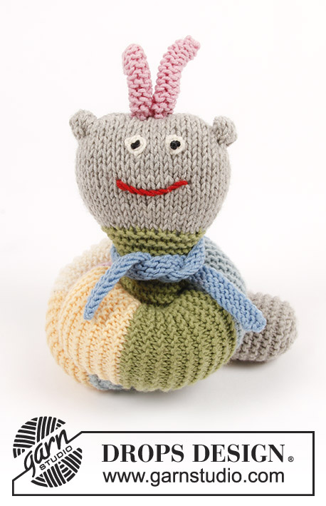Arnie the Caterpillar / DROPS Children 30-23 - Knitted toy caterpillar with garter stitch and stripes. The piece is worked in DROPS Merino Extra Fine.
