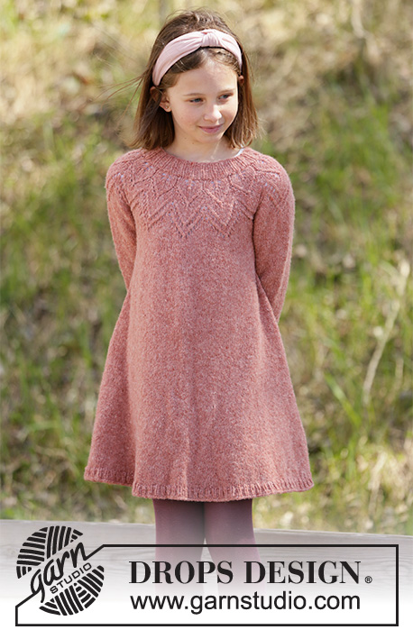 Woodland Fairy / DROPS Children 34-25 - Knitted dress for children in DROPS Sky or DROPS Merino Extra Fine. The piece is worked top down with lace pattern. Sizes 3-12 years.