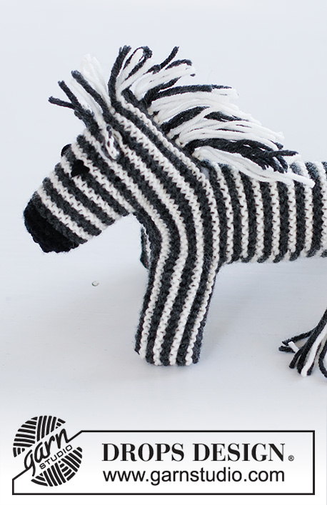 Oreo the Zebra / DROPS Children 37-19 - Knitted zebra in garter stitch and stripes in DROPS Merino Extra Fine.