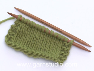 How to knit a knit stitch (US/UK method) (Tutorial Video)